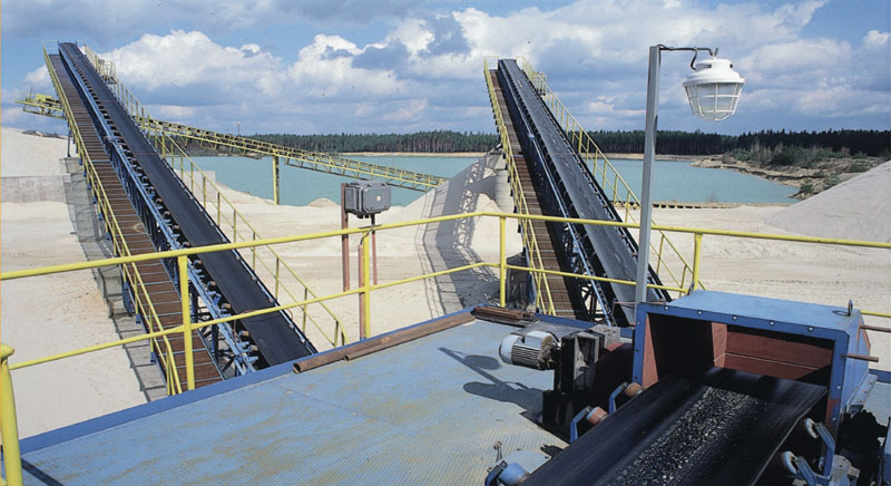 check out the advantages and disadvantages of conveyor belts
